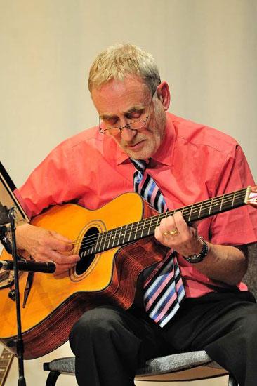 Ian McCan - Banjo & Guitar